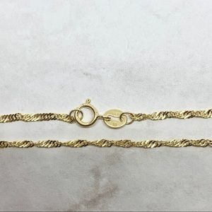 Jewelry - Solid 10k gold Singapore link chain bracelet .5g
